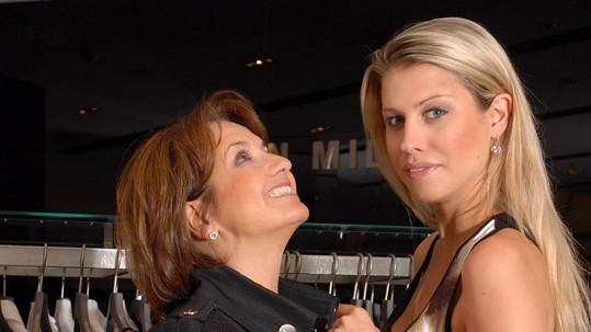 Veronika Freimanová a její dcera Tereza Brabcová si při nákupech užily spoustu legrace.