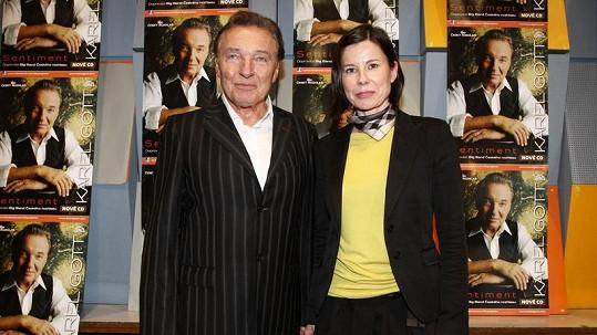 Karel Gott a Iva Milerová, bývalá partnerka SuperStar Anety Langerové.