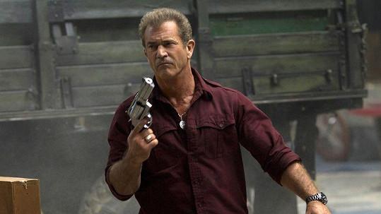 Mel Gibson vypadá bez vousů dobře.