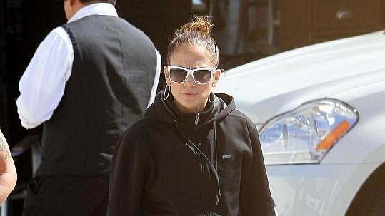Jennifer Lopez je v legínách a mikině celkem k nepoznání.