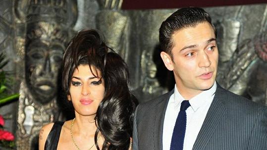 Amy Winehouse s přítelem Regem Travissem.