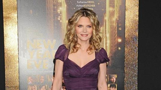 Michelle Pfeiffer vypadá famózně.