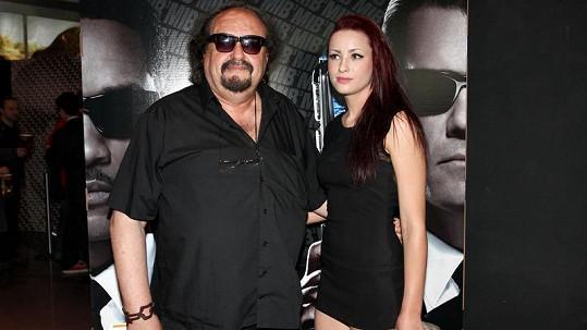 Petr Novotný s nejmladší dcerou Soňou.