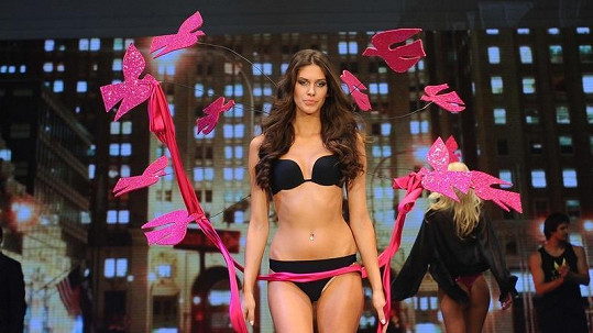 Aneta Vignerová na módní show Top secret