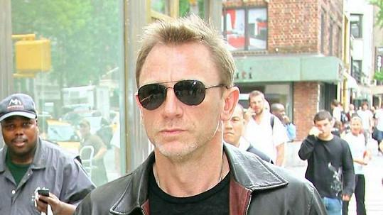 Daniel Craig je přesvědčen, že někde ve vesmíru je další život.