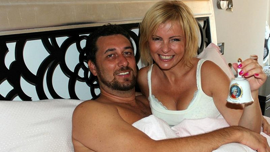 Martucci s Bartošovou. Dnes je Iveta v nemocniční posteli sama.