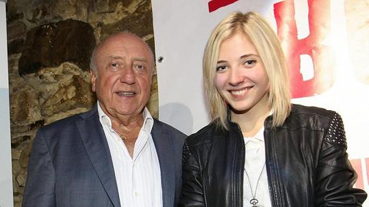 Felix Slováček se chlubí půvabnou dcerou.