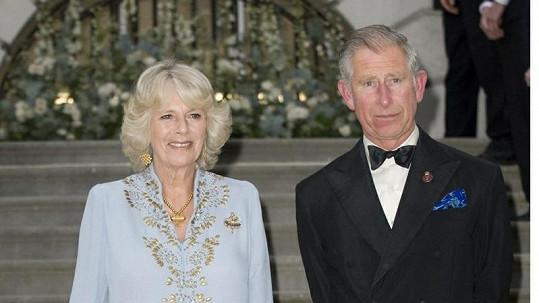 Princ Charles a Camilla Parker Bowles.