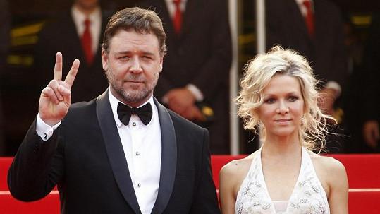 Russell Crowe s manželkou Danielle na archivním snímku.