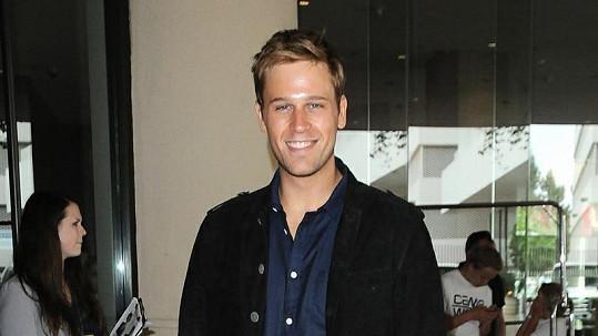 Tento herec má v novém snímku z královského prostředí ztvárnit prince Williama.