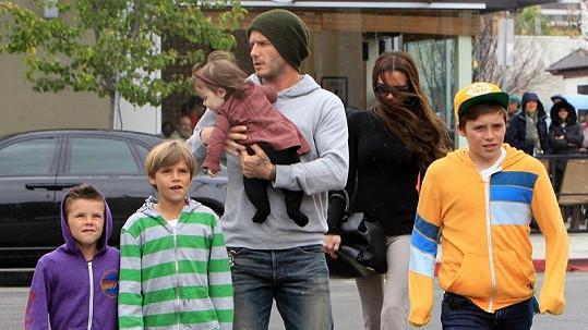 Beckhamovi se v Los Angeles zabydleli.