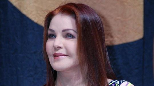 Na Priscille Presley se podepsaly zákroky plastických chirurgů.