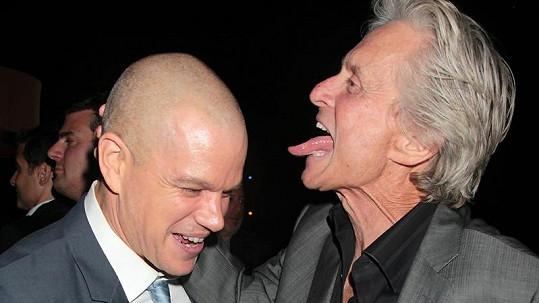 Michael Douglas chtěl Mattu Damonovi olíznout oholenou hlavu.