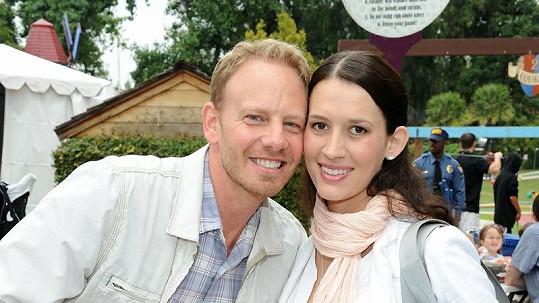 Ian Ziering s manželkou.