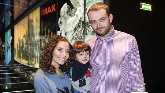 Eva Decastelo s manželem a synem Míšou.