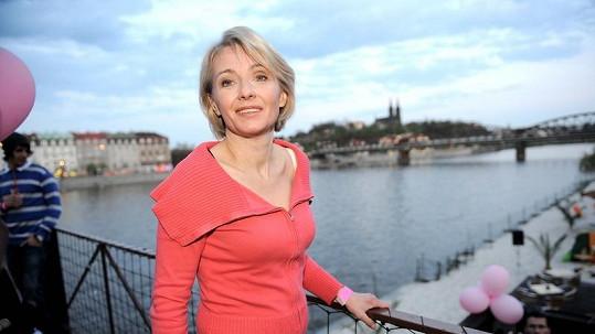 Veronika Žilková na padesát rozhodně nevypadá.