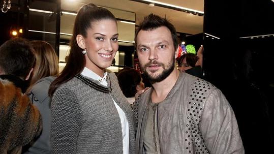Aneta se postavila za svého partnera Tomáše.