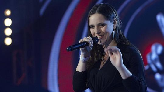 Bára Vaculíková nejen dobře zpívá, ale je i sexy