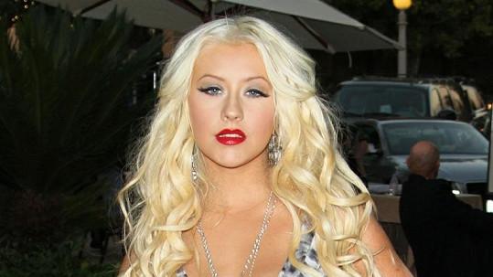 Christina Aguilera už si dokáže představit setkání se svým otcem.