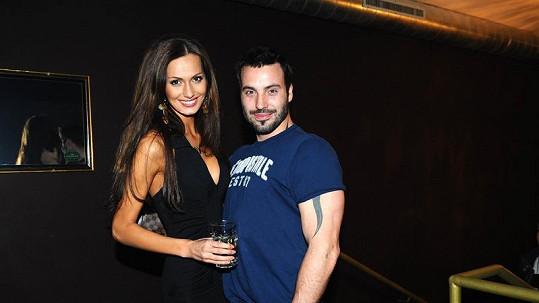 Noid s Eliškou Bučkovou na večírku.