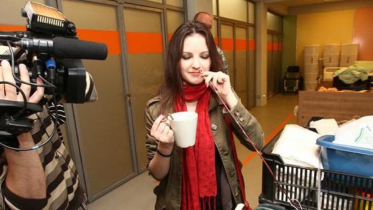 Anna Veselovská se také musí ve všem rýpat.