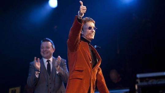 Robin Gibb se v únoru konečně vrátil na pódium.