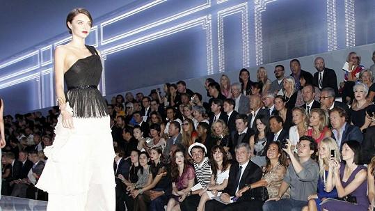 Miranda Kerr vypadala na přehlídce skvostně.