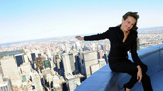 Petra Němcová pózovala na vrcholu známé budovy nacházející se v New Yorku.