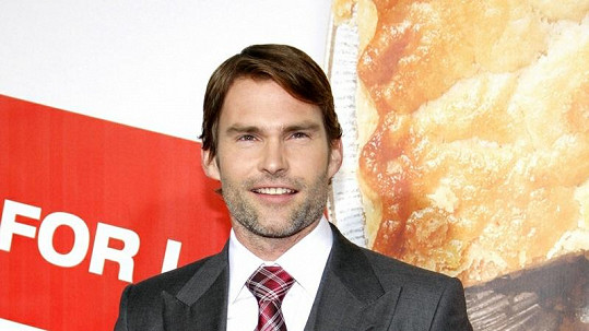 Seann William Scott se zasnoubil.