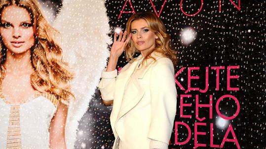 Daniela je tváří kampaně Andělé krásy, která bojuje proti domácímu násilí.