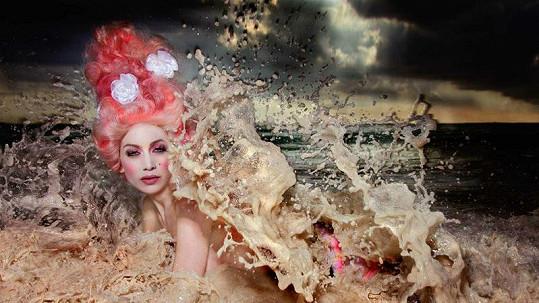 Olga Lounová - La diosa de las olas.
