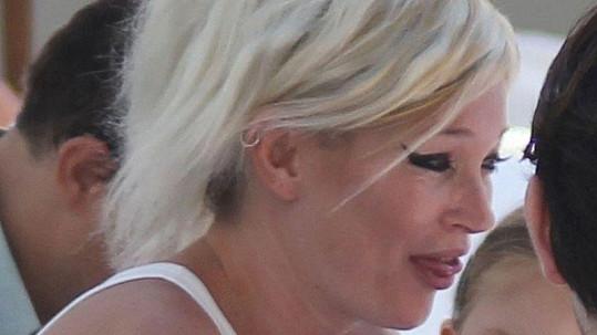 Kate se nalíčila ve stylu zpěvačky Amy Winehouseové, což neudělala dobře.