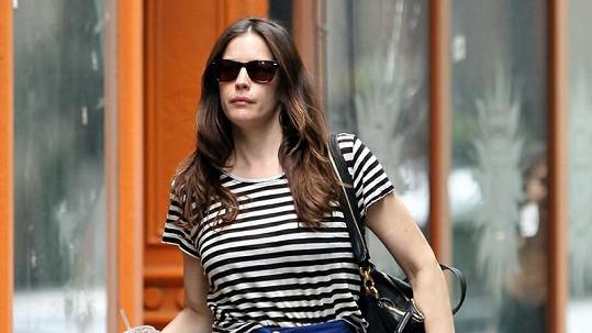Hubeňoučká Liv Tyler se proháněla v ulicích New Yorku po nákupech.