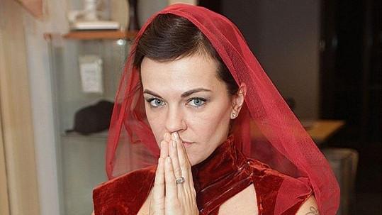 Marta Jandová na kostýmové zkoušce muzikálu Kat Mydlář.