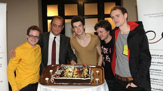 Skupina Charlie Straight s manažerem Pavlem Zikou.