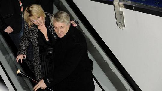 Ještě blonďatá Iveta se svým skoro snoubencem Josefem Rychtářem.