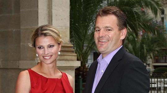 Jitka Kocurová se svým snoubencem.