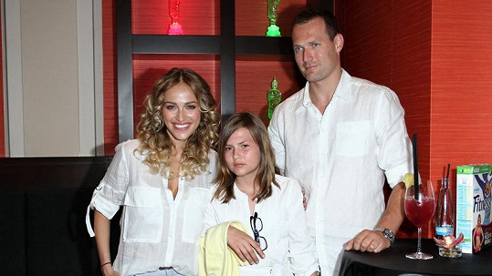 Renata Langmannová s přítelem Ondřejem Novotným a jeho dcerou Trinity.
