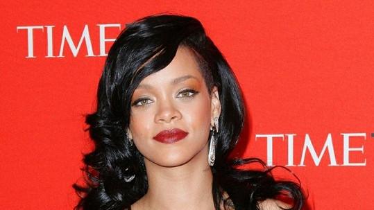 Činorodá zpěvačka Rihanna rozjíždí rovněž svou hereckou kariéru.