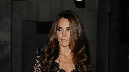 Je Kate Middleton opravdu těhotná, nebo jde o další klep?