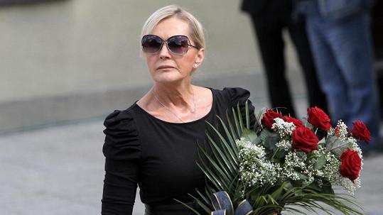 Helena Vondráčková pohřeb svého otce stihne.