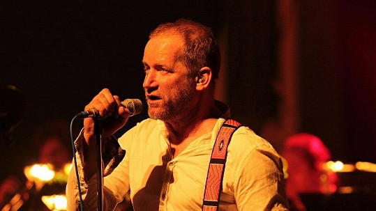 David Koller na brněnském koncertu.