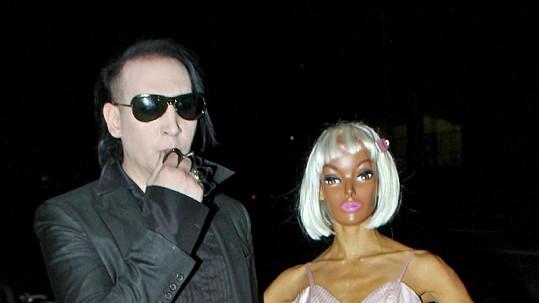 Marilyn Manson se svou přítelkyní.