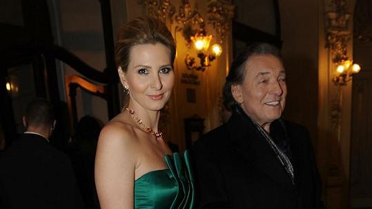 Manželé Gottovi jsou roztrpčeni obviňováním moderátorky z vlivu na VIP zprávy.