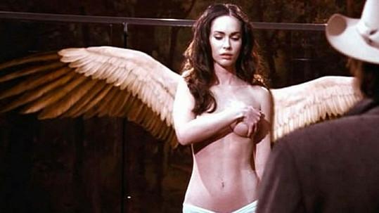 Megan Fox je jako anděl neuvěřitelně sexy.
