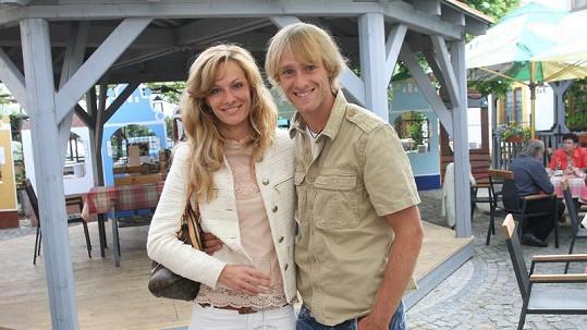 Jakub Vágner s přítelkyní.