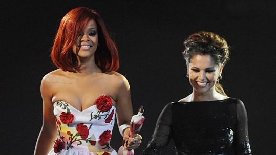 Rihanna a Cheryl Cole.