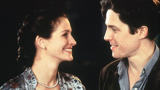 Hugh Grant a Julia Roberts ve filmu Notting Hill.
