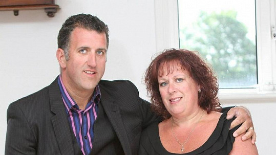 Paul a Karrie Kew shodili dohromady 133 kilogramů.