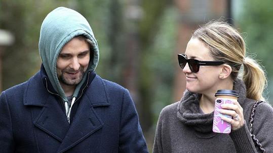 Novomanželé Matt Bellamy a Kate Hudson.